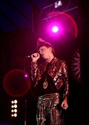 Saturday at Glastonbury: Saturday at Glastonbury 2009: La Roux