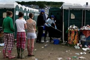 Glastonbury Day 4: Glastonbury festival: Day four toilets queue