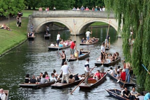 Punters enjoy the summer sunshine in Cambridge