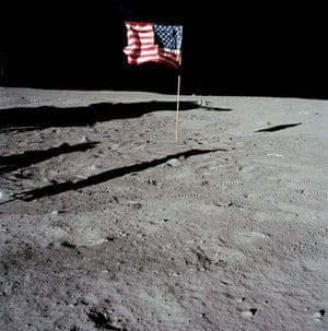 Top Ten Hoax Claims: Apollo 11 landing on moon: US flag