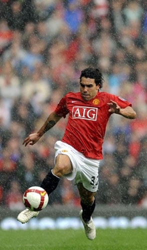 Top transfer targets: Manchester United's Argentinian forward Tevez
