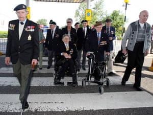 D Day Memorial Veterans Gather To Commemorate The 65th Anniversary Of