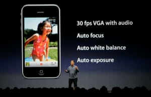 Apple conference: Philip Schiller speaks about the video features on the new iPhone 3GS