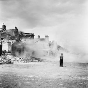Jimmy Forsyth: Demolition on Sycamore St, 1960
