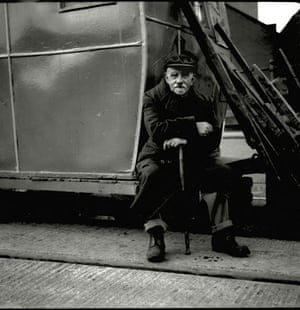 Jimmy Forsyth: Old man, Quayside, 1950s