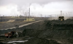 Blog Carbon emissions: Tar sands mining, Syncrude Oil Sands Fort McMurray, Alberta, Canada