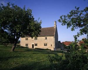 Ancient trees: Apple tree at Woolsthorpe Manor