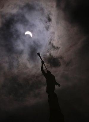 eclipse: solar eclipse in Taipei