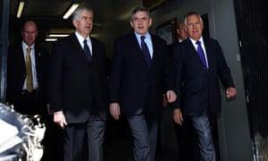 Rhodri Morgan, Gordon Brown and Peter Hain at Cardiff train station on 23 July 2009.
