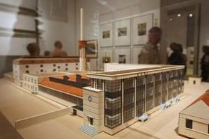 Bauhaus exhibition: Model of the Fagus Shoe Factory at the Martin Gropius Bau