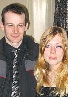 Adam Wallis和Rochelle Roberts