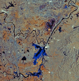 Satellite eye on Earth: Dongting Lake and the Yangtze River