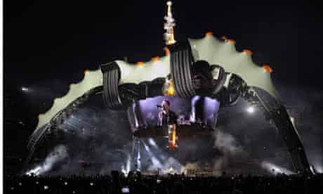 """U2 in Barcelona for their """"360 degrees"""" tour."""