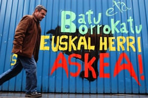 History of ETA: 2004: Graffiti that reads 'Join and fight, freedom for the Basque Country'