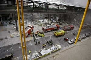 History of ETA: 2006: A car bomb exploded in a car park at Madrid arport