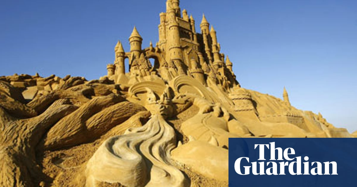 How to build the perfect sandcastle | Life and style | The