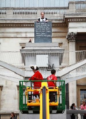 Trafalgar plinth: Scott Illman is replaced by Steve Platt
