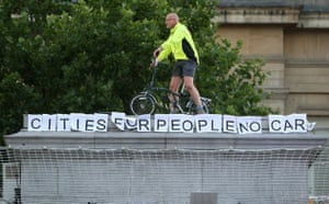 Plinth occupants: 20.00 Mark Korczak, 47, from Leicester, promotes sustainable travel