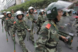 Urumqi: Soldiers on the streets