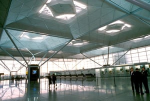 Airport design: Stansted Airport in London
