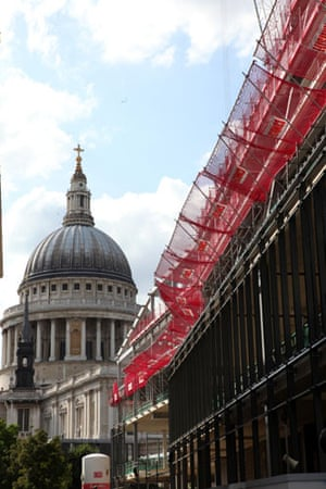PC Architecture: One New Change retail building next to St Paul's Cathederal