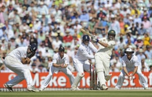 Ashes: 5th Test Day 4: Hussey for four