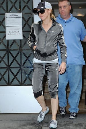 Tracksuits: Madonna leaving The Kabbalah Centre, New York, in 2008