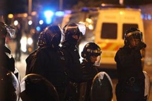 West Ham v Millwall: Police prepare for violence outside Upton Park