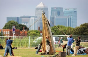 Camp for Climate Action : Climate change protesters set up camp on Blackheath green, London