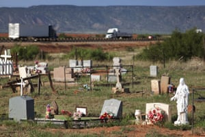 Route 66 Day 2: A graveyard next to Interstate I-40, New Mexico