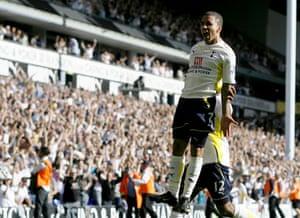 premier league: Tottenham Hotspur's Aaron Lennon celebrates scoring winning goal
