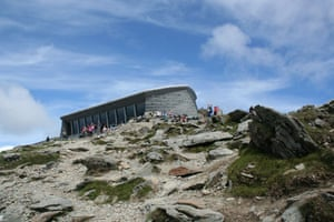 Snowdon visitor centre: Snowdon summit visitors centre