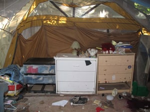 Jaycee Dugard kidnapping: Clothes in chests of drawers where Jaycee was kept prisoner