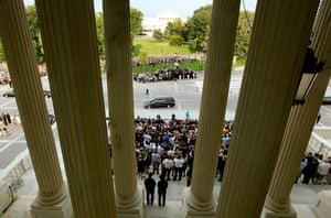 24 hours in pictures: Ted Kennedy Makes Final Trip To Washington For Burial At Arlington Cemetery