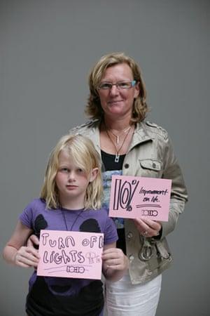 10:10 launch pledges: Claire Haviland Webster and Lauren hold their 10:10 pledges