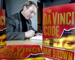 Dan Brown latest novel: Dan Brown during a book signing  of The Da Vinci Code