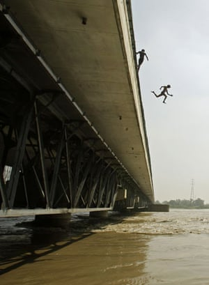 24 hours in pictures: River Yamuna flooding in Delhi