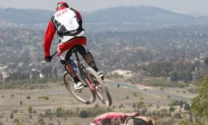 Bike Blog : World downhill champion Steve Peat racing in Canberra