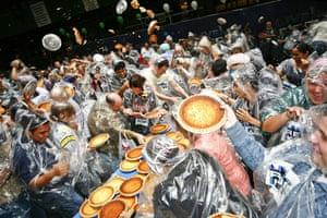 Guinness World Records: Guinness World Records Largest Pie Fight