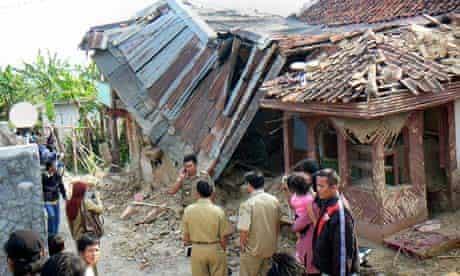 Earthquake hits Indonesia