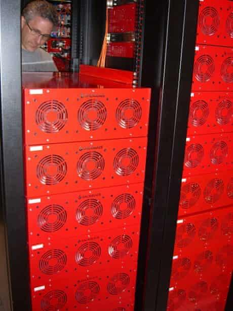 stacking storage pods