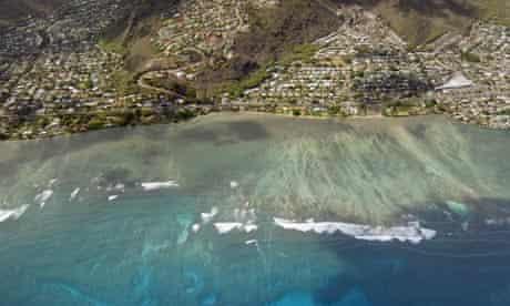Coral reef : An aerial view of teh coastline along Hawaii Kai on the Hawaiian Island of Oahu