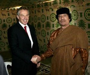 Lajmet Ditore: Del në ankand tenda e Gedafit, ja në cilat shtete u vendos ajo British-Prime-Minister-To-001