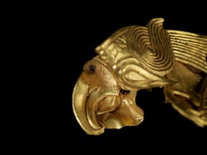 Staffordshire hoard: Fish and Eagles zoomorphic mount