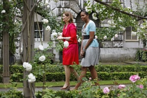 Sarah Brown: 2009: Sarah Brown and Michelle Obama walk through the gardens of number 10