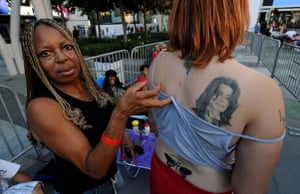 25 September 2009: Los Angeles, US: Casandra Pertusio shows her Michael Jackson tattoo