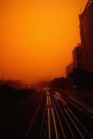 Dust storm: Red dust storm hits Sydney, Australia - 23 Sep 2009