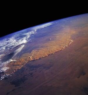 Dust storm: Dust Storm in the Sahara Desert