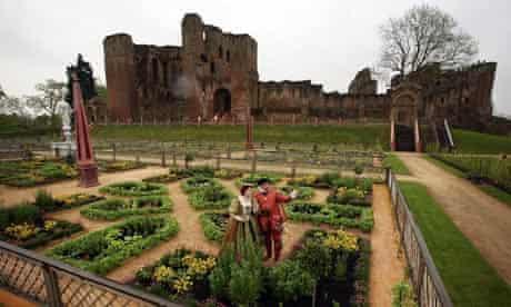Elizabethan gardens. Kenilworth Castle