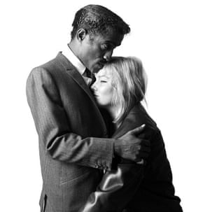 Brian Duffy: Sammy Davis Jr and May Britt (1960)